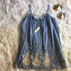 • NWT• Alice Blue Chambray and Lace Dress In Small